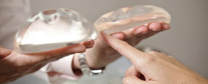 Resultado de imagem para Prótese nos seios pode causar tipo raro de linfoma, diz FDA